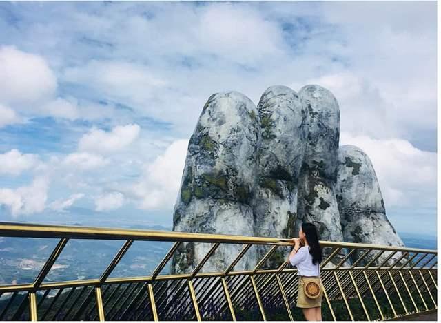 Điểm săn mây lý tưởng trên Cầu Vàng